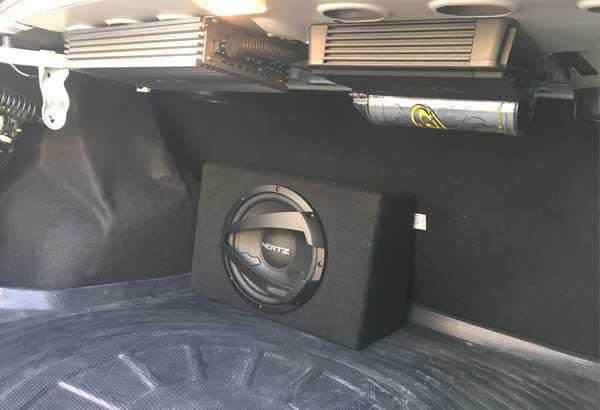 ارتقا و آپگرید سیستم صوتی خودرو ال 90 از ایران کارادیو